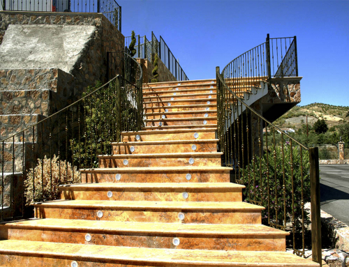 escaleras exterior travertino oro