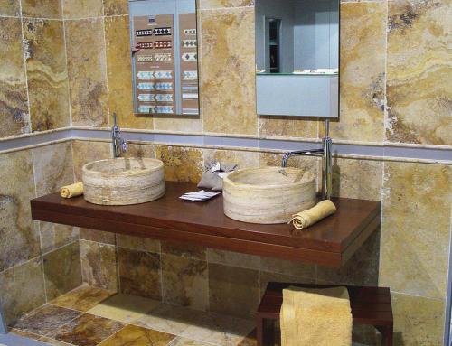 baño travertino oro envejecido formato 60x30x2