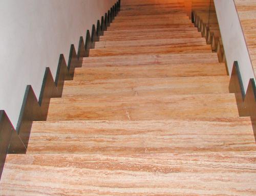 Escaleras travertino amarillo pulido resina