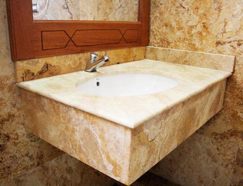baño travertino oro pulido  resina