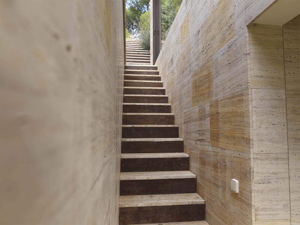 travertino amarillo escaleras exteriores